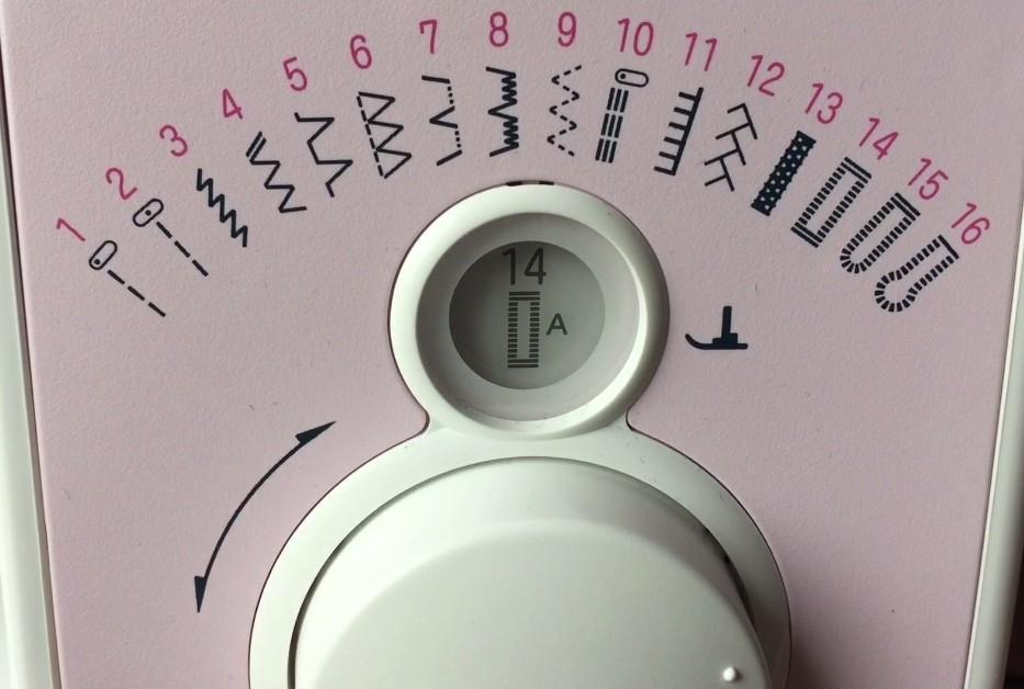 Sélectionner le point boutonnière sur la machine